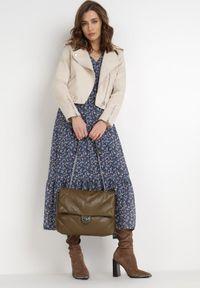 Born2be - Granatowa Sukienka Demassa. Typ kołnierza: dekolt w serek. Kolor: niebieski. Materiał: tkanina. Długość rękawa: długi rękaw. Wzór: kwiaty. Długość: maxi