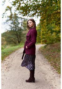 Marie Zélie - Płaszcz wełniany Adela bordowy. Kolor: czerwony. Materiał: wełna. Długość rękawa: długi rękaw. Długość: krótkie. Wzór: motyw zwierzęcy, ze splotem. Sezon: zima #3
