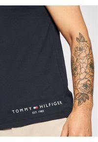 TOMMY HILFIGER - Tommy Hilfiger T-Shirt Logo MW0MW18734 Granatowy Regular Fit. Kolor: niebieski