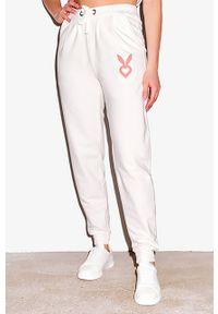 Białe spodnie dresowe Cardio Bunny