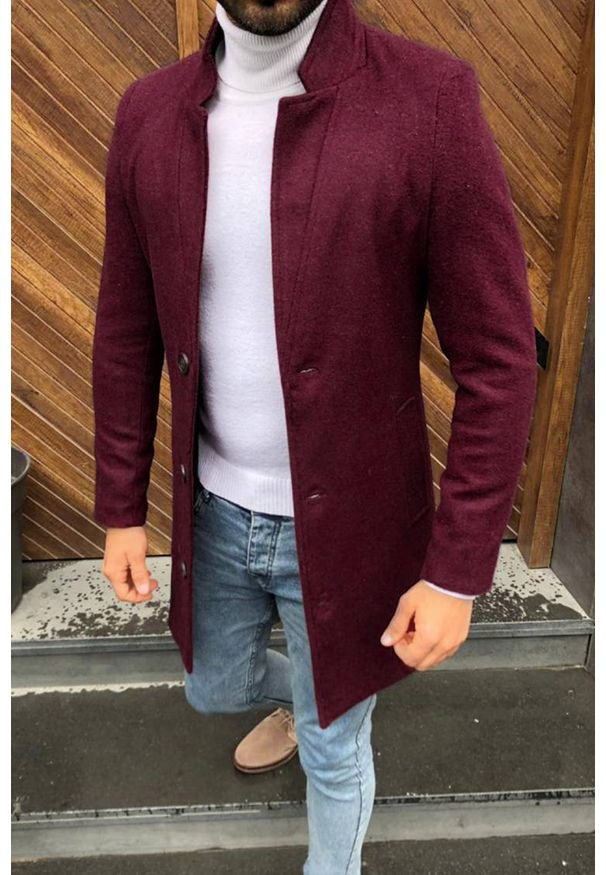 Czerwony płaszcz IVET