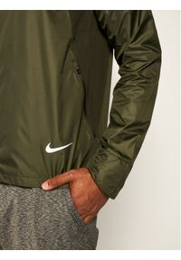 Zielona kurtka do biegania Nike