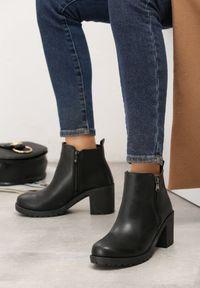 Born2be - Czarne Botki Beauden. Nosek buta: okrągły. Zapięcie: zamek. Kolor: czarny. Szerokość cholewki: normalna. Wzór: gładki. Wysokość cholewki: za kostkę. Sezon: jesień, zima. Obcas: na obcasie. Wysokość obcasa: średni