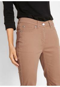 Brązowe jeansy bonprix