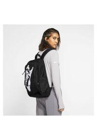 Plecak sportowy Nike Hayward 2 BA5883. Materiał: materiał, poliester. Wzór: aplikacja. Styl: sportowy