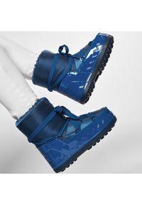 Niebieskie śniegowce Bogner