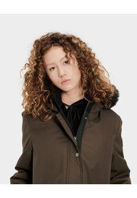 Ugg - UGG - Brązowa parka Bernice. Kolor: brązowy. Materiał: materiał, jeans, syntetyk, futro. Sezon: jesień, zima