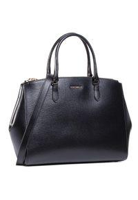 Czarna torebka klasyczna Coccinelle casualowa, na ramię