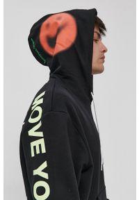 Nike Sportswear - Bluza. Okazja: na co dzień. Kolor: czarny. Materiał: dzianina. Wzór: nadruk. Styl: casual