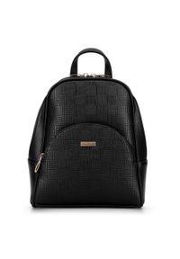 Wittchen - Damski plecak z półokrągłą kieszenią. Kolor: wielokolorowy, beżowy, czarny. Materiał: skóra ekologiczna. Styl: klasyczny, elegancki, casual