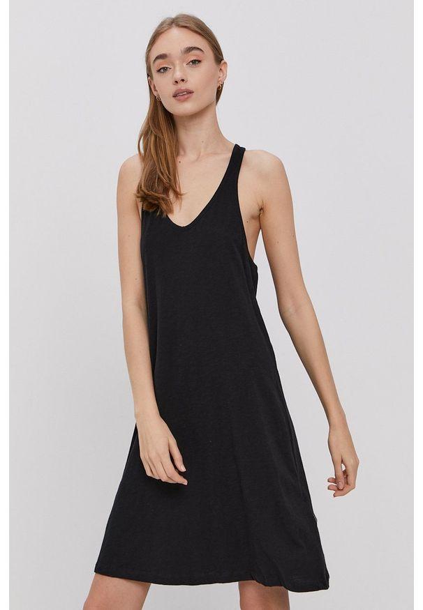 Protest - Sukienka. Kolor: czarny. Materiał: dzianina. Długość rękawa: na ramiączkach. Wzór: gładki. Typ sukienki: rozkloszowane