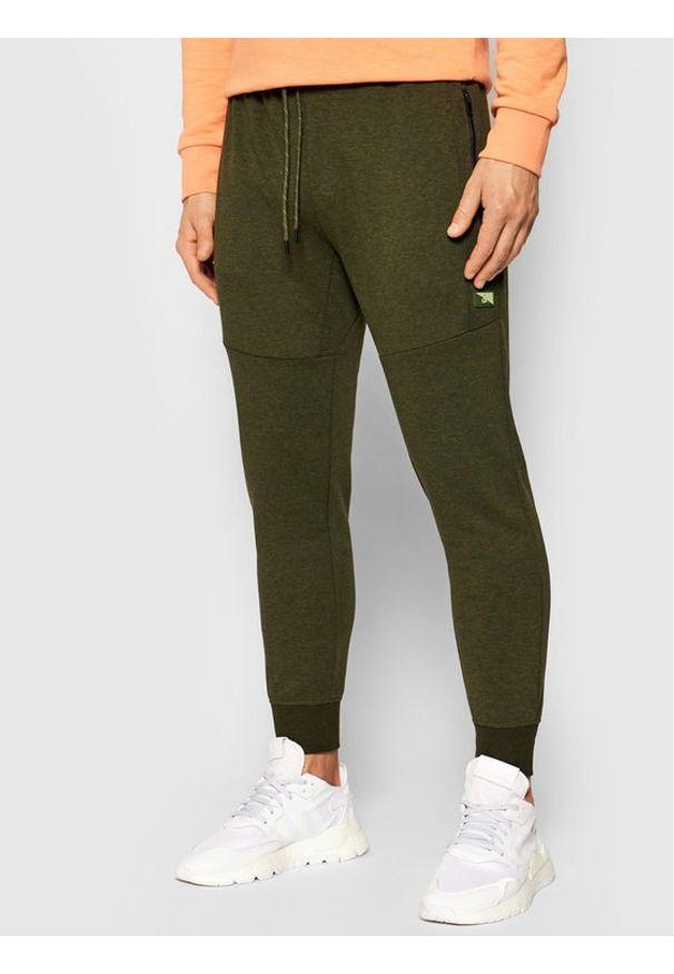 Jack & Jones - Jack&Jones Spodnie dresowe Will Air Sweat Noos 12184970 Zielony Regular Fit. Kolor: zielony. Materiał: dresówka