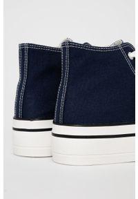 Answear Lab - Trampki. Nosek buta: okrągły. Kolor: niebieski. Materiał: guma. Obcas: na platformie. Styl: wakacyjny