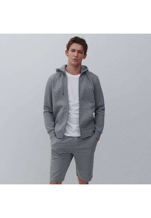 Reserved - Dresowa bluza z kapturem - Jasny szary. Typ kołnierza: kaptur. Kolor: szary. Materiał: dresówka