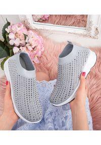 Szare buty sportowe N/M w kolorowe wzory, bez zapięcia