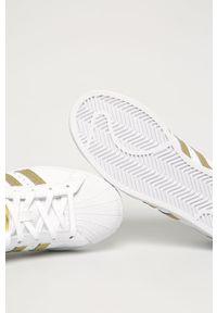 Białe buty sportowe adidas Originals na średnim obcasie, na obcasie, z okrągłym noskiem