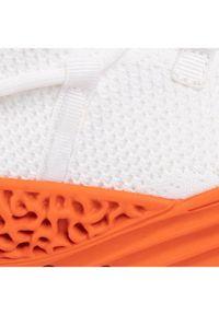 Białe sneakersy Togoshi