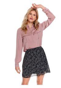 Różowa koszula TOP SECRET w kolorowe wzory, z klasycznym kołnierzykiem, długa