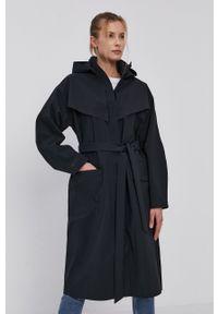 Nike Sportswear - Kurtka. Kolor: czarny. Materiał: włókno, tkanina, materiał. Wzór: gładki