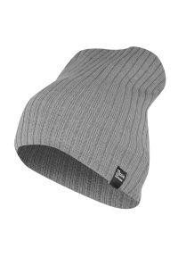 Szara czapka na jesień, w prążki