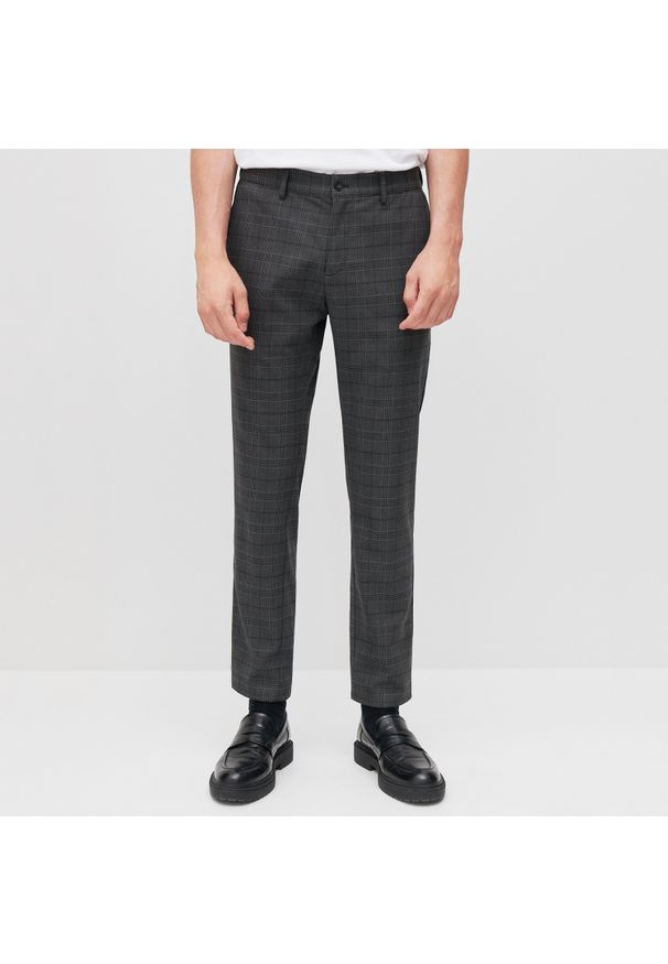 Reserved - Spodnie chino slim fit w kratę - Szary. Kolor: szary