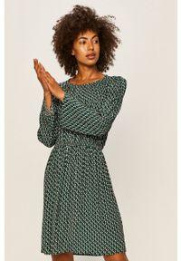 Pepe Jeans - Sukienka Theresa. Materiał: tkanina. Typ sukienki: rozkloszowane