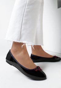 Born2be - Czarne Balerinki Mahanaim. Nosek buta: okrągły. Kolor: czarny. Materiał: lakier, materiał. Szerokość cholewki: normalna. Wzór: gładki