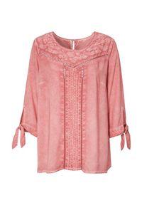 Różowa bluzka Cellbes w koronkowe wzory, elegancka, na co dzień