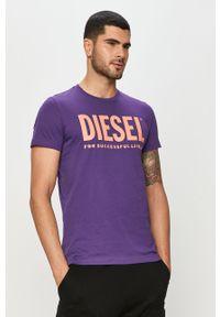Fioletowy t-shirt Diesel casualowy, na co dzień, z nadrukiem