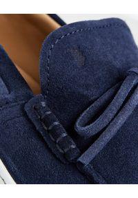 TOD'S - Granatowe mokasyny Gommino. Kolor: niebieski. Materiał: guma #8