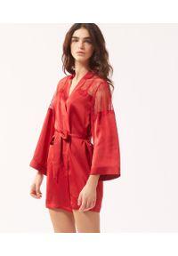 Czerwony szlafrok Etam w koronkowe wzory, długi