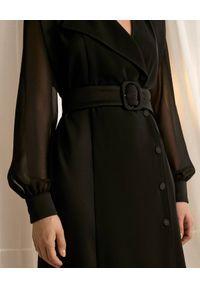Marella - MARELLA - Czarna sukienka marynarkowa Fabbro. Kolor: czarny. Długość rękawa: długi rękaw. Typ sukienki: dopasowane, asymetryczne. Styl: klasyczny. Długość: midi