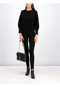 Czarny sweter klasyczny Guess