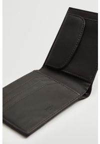 Mango Man - Portfel CLAELAS. Kolor: czarny. Materiał: materiał. Wzór: gładki