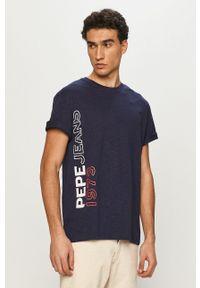 Pepe Jeans - T-shirt Douglas. Okazja: na co dzień. Kolor: niebieski. Wzór: nadruk. Styl: casual