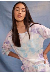Bluza bonprix Bluza jasnoróżowy z nadrukiem. Kolor: różowy. Wzór: nadruk