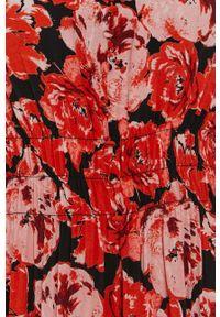 Vero Moda - Sukienka. Okazja: na co dzień. Kolor: czerwony. Materiał: tkanina, wiskoza, materiał. Długość rękawa: krótki rękaw. Typ sukienki: proste. Styl: casual