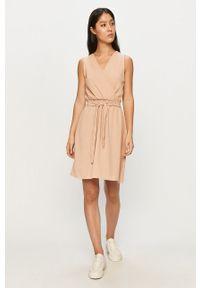 Różowa sukienka Haily's bez rękawów, rozkloszowana
