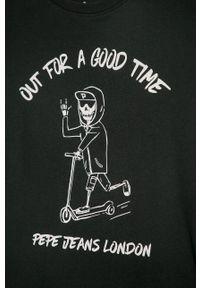 Czarny t-shirt Pepe Jeans casualowy, na co dzień, z nadrukiem