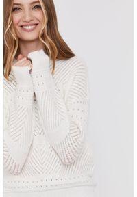 Biały sweter Answear Lab wakacyjny, długi, gładki, z długim rękawem