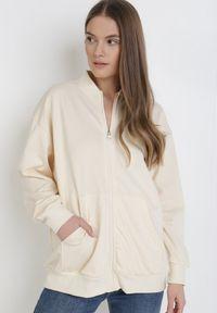 Born2be - Kremowa Bluza Leupheia. Kolor: beżowy. Materiał: bawełna. Długość rękawa: długi rękaw. Długość: długie