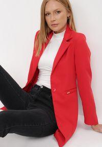 Born2be - Czerwona Marynarka Hyritheme. Kolor: czerwony. Długość: długie. Styl: elegancki