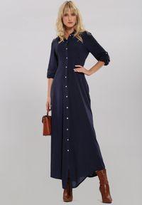 Renee - Granatowa Sukienka Hillcrest. Kolor: niebieski. Długość rękawa: długi rękaw. Typ sukienki: koszulowe. Długość: maxi