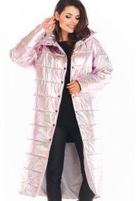 Awama - Połyskujący Pikowany Płaszcz Zapinany na Napy - Różowy. Kolor: różowy. Materiał: poliester
