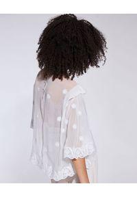 IRO - Kremowa bluzka Hono. Okazja: do pracy, na co dzień, na spotkanie biznesowe. Kolor: biały. Materiał: jeans, wiskoza, koronka. Wzór: haft. Styl: wizytowy, biznesowy, casual, elegancki