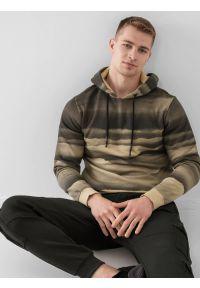4f - Bluza dresowa nierozpinana z kapturem męska. Okazja: na co dzień. Typ kołnierza: kaptur. Kolor: beżowy. Materiał: dresówka. Styl: casual