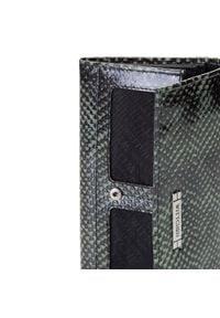 Wittchen - Damski portfel ze skóry lizard na napę. Kolor: wielokolorowy, zielony, czarny. Materiał: skóra. Wzór: napisy