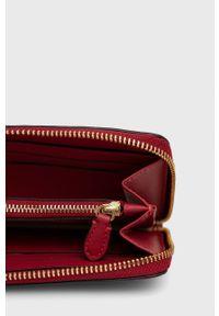 Lauren Ralph Lauren - Portfel skórzany. Kolor: czerwony. Materiał: skóra. Wzór: gładki