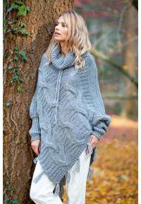 Fobya - Szary Ciepłe Poncho-Sweter z Frędzlami. Kolor: szary. Materiał: wełna, poliakryl