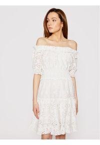 Biała sukienka casualowa, prosta, na co dzień